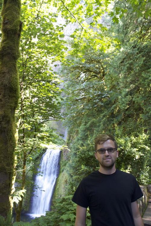 Multnomah Falls walk