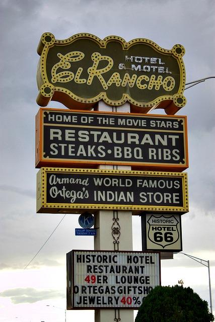 El Rancho Sign