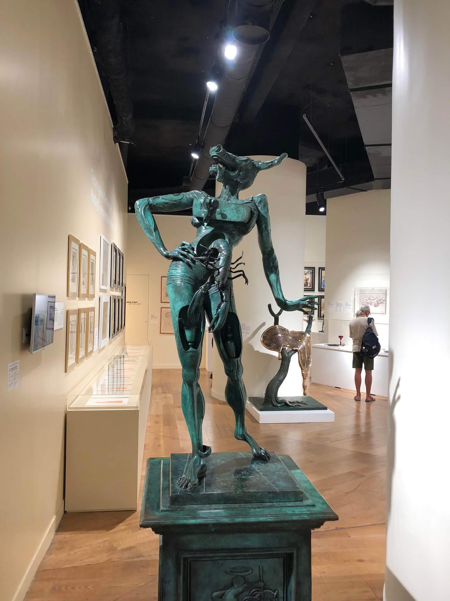 Salvador Dali - Statue - Paris France